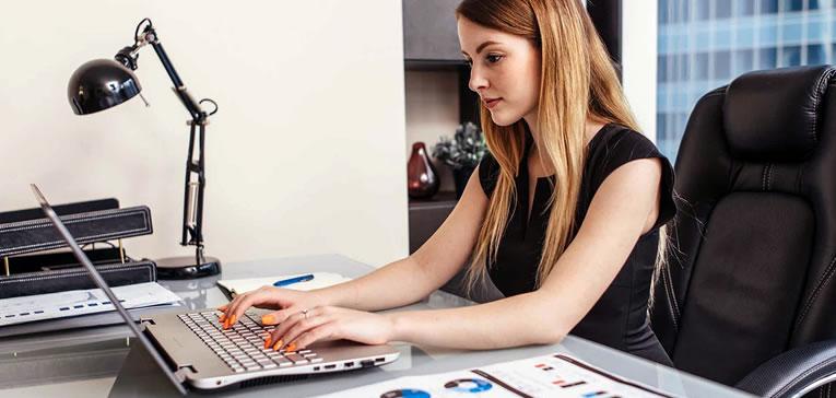 Freelancer de conteúdo online