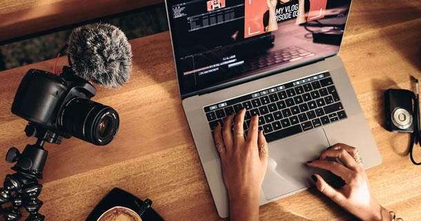 Profissional freelancer de conteúdo web