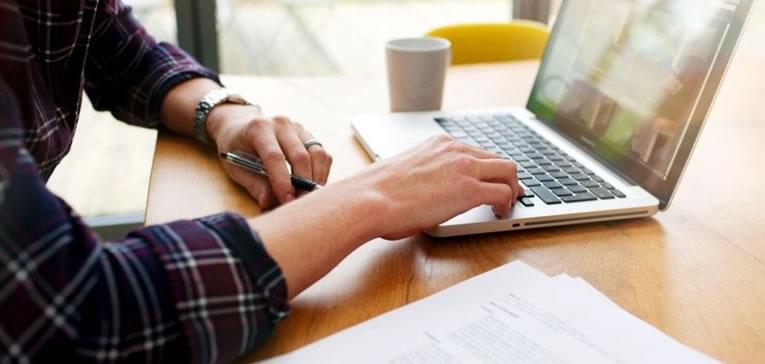 Como ganhar dinheiro online escrevendo textos